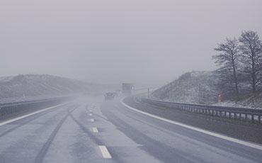 Isig bilväg